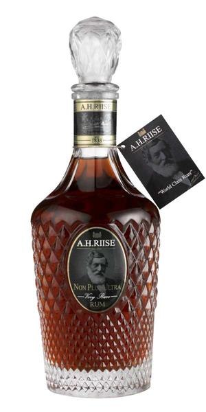A.H Riise Non Plus Ultra Very Rare Rum 42% 70cl - Saint Thomas